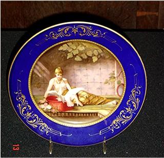 Scenic plate